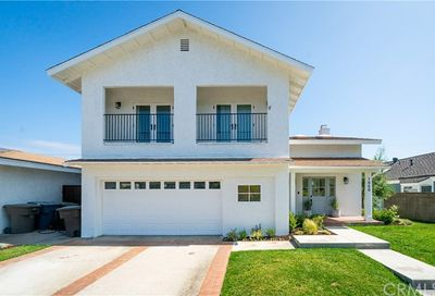 1000 Driftwood Avenue Seal Beach CA 90740