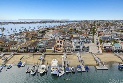 125 E Bay Front Newport Beach CA 92662