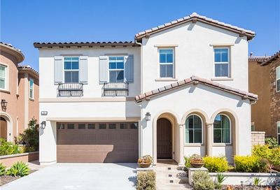 30 Heron Lake Forest CA 92630