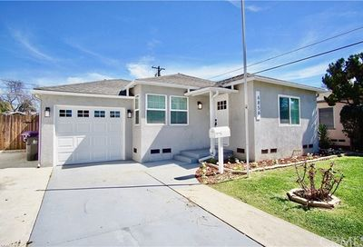 6856 White Avenue Long Beach CA 90805