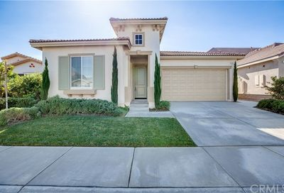 1471 Tinkers Creek Beaumont CA 92223
