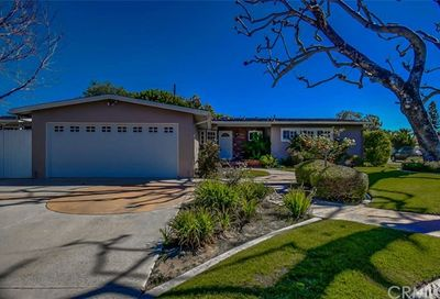 1900 Diana Lane Newport Beach CA 92660