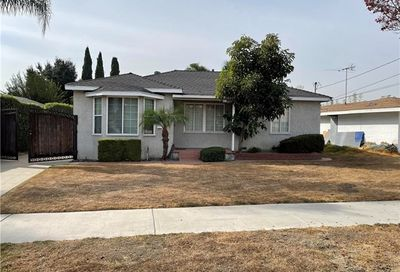 15341 Cornuta Avenue Bellflower CA 90706