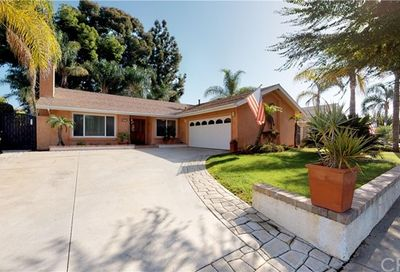 25171 Campo Rojo Lake Forest CA 92630