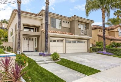 29 Bell Vista Lake Forest CA 92610