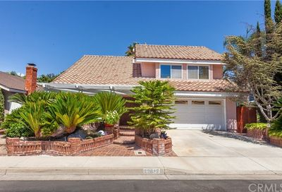 26615 Heather Brook Lake Forest CA 92630