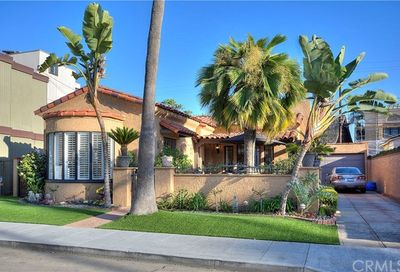 90 Giralda Walk Long Beach CA 90803