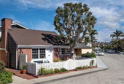 217 Topaz Avenue Newport Beach CA 92662