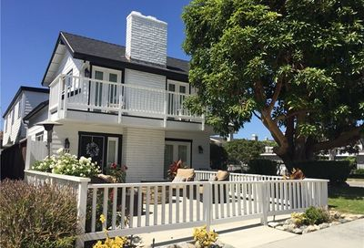 721 Poinsettia Avenue Corona Del Mar CA 92625