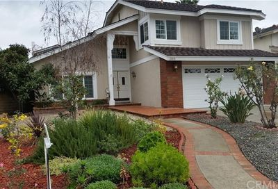 25835 Southbrook Lake Forest CA 92630