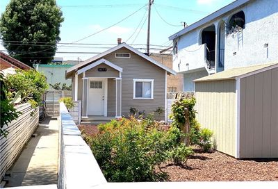 1077 Martin Luther King Avenue Long Beach CA