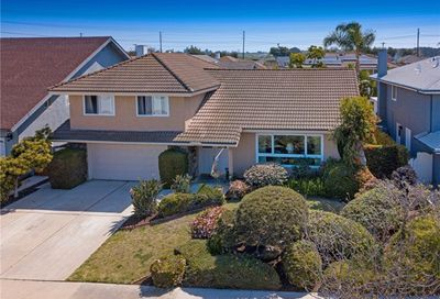 20422 Craimer Lane Huntington Beach CA 92646