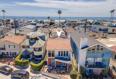 813 W Bay Avenue Newport Beach CA 92661