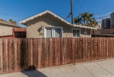 214 Walnut Avenue Huntington Beach CA 92648