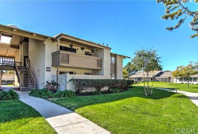 8933 Biscayne Ct Court Huntington Beach CA 92646