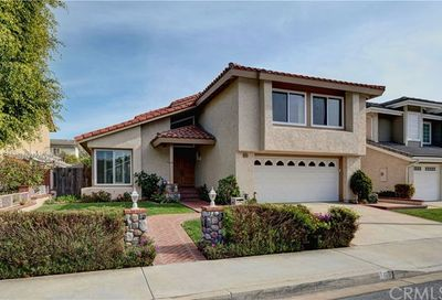 12 Lexington Irvine CA 92620