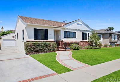3835 Senasac Avenue Long Beach CA 90808
