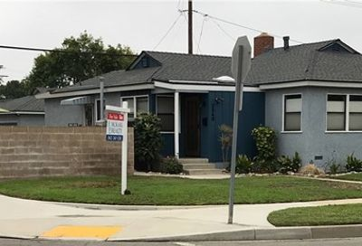 3548 Senasac Avenue Long Beach CA 90808