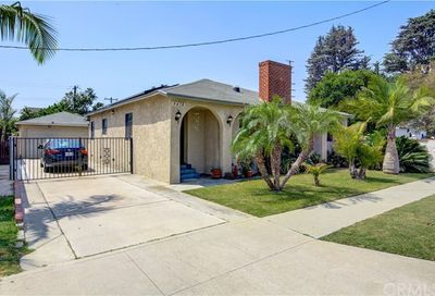 9418 Foster Road Bellflower CA 90706