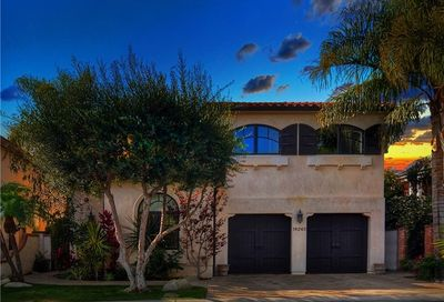 19265 Woodlands Drive Huntington Beach CA 92648