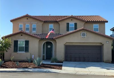 29275 Greenskeeper Lake Elsinore CA 92530