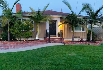 3658 Lomina Avenue Long Beach CA 90808