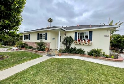 2345 Palo Verde Long Beach CA 90815