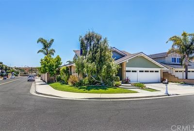 18302 Rain Circle Huntington Beach CA 92648
