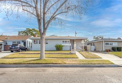 3248 Senasac Avenue Long Beach CA 90808