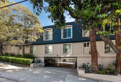 976 Larrabee West Hollywood CA 90069