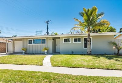 6952 E Bacarro Street Long Beach CA 90815