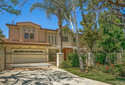 14659 Valley Vista Boulevard Sherman Oaks CA 91403