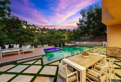 3812 Woodcliff Road Sherman Oaks CA 91403