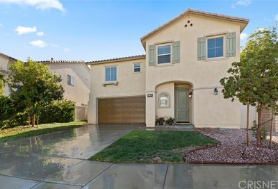 27135 Red Maple Court Canyon Country CA 91387