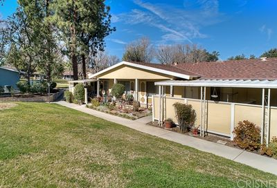 19116 Avenue Of The Oaks Newhall CA 91321
