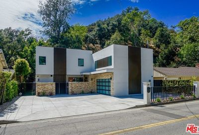 2017 Benedict Canyon Drive Beverly Hills CA 90210