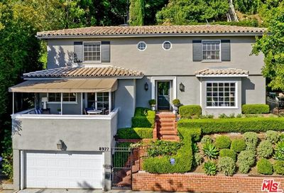 8977 St Ives Drive Los Angeles CA 90069