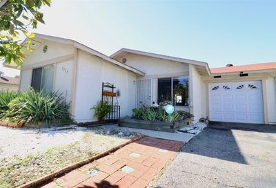 1377 Panorama Ridge Oceanside CA 92056