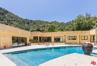 1634 Benedict Canyon Drive Beverly Hills CA 90210
