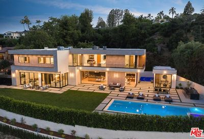 3951 Royal Oak Place Encino CA 91436
