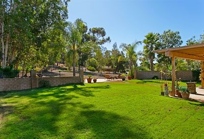 26138 Wyndemere Ct Escondido CA 92026