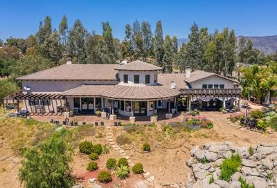 18245 Paradise Mountain Road Valley Center CA 92082