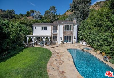 1740 La Fontaine Court Beverly Hills CA 90210