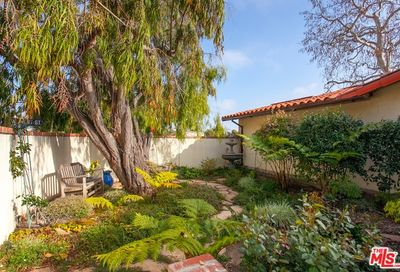 15200 Mc Kendree Avenue Pacific Palisades CA 90272