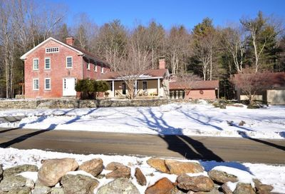 617 Rivers Rd Tolland MA 01034