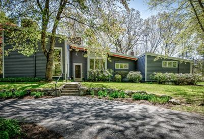 30 Meadowbrook Rd Dover MA 02030