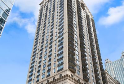 10 East Delaware Place Chicago IL 60611