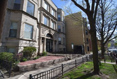 652 West Roscoe Street Chicago IL 60657