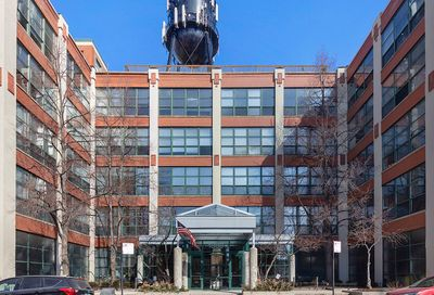 1800 West Roscoe Street Chicago IL 60657