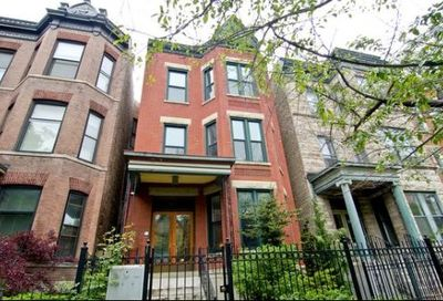 858 West Roscoe Street Chicago IL 60657